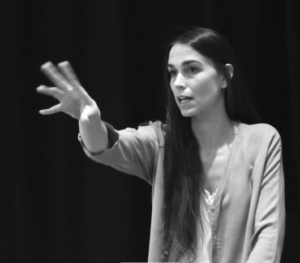 Clara Méndez-Leite directora de la escuela